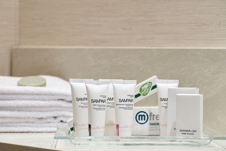 Bathroom complimentary amenities at our pure allergy-friendly hotel rooms in Greece at Galaxy Hotel Heraklion